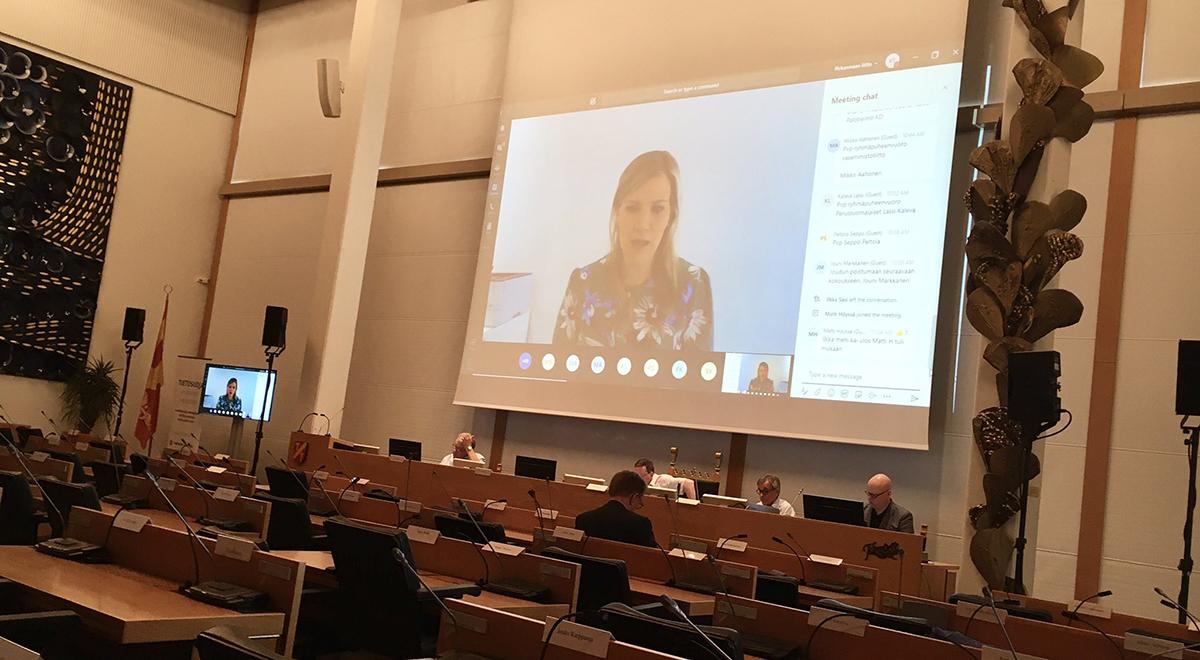 Maakuntavaltuuston kokous pidettiin etäkokouksena. Sofia Vikman näkyy Teamsin ruudulla.